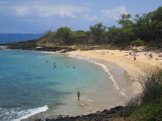 Phải khỏa thân hoàn toàn mới có thể đặt chân tới những bãi biển kỳ lạ này - 1