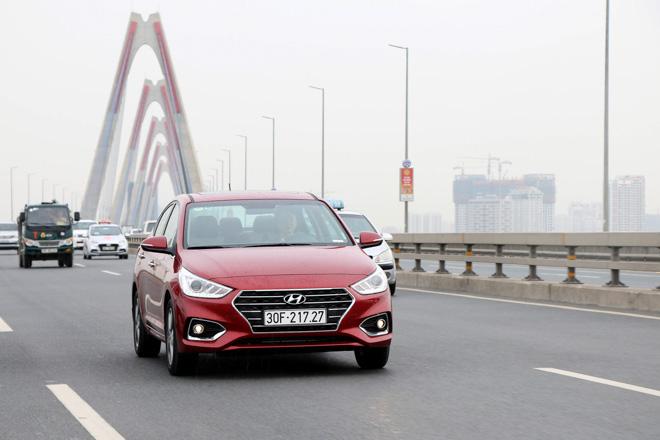 """Hyundai công bố doanh số tháng 10/2018: Accent """"soán ngôi"""" Grand i10 - 1"""