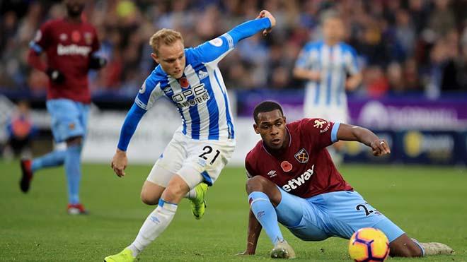 Huddersfield - West Ham: Người hùng cứu nguy sai lầm 6 phút - 1