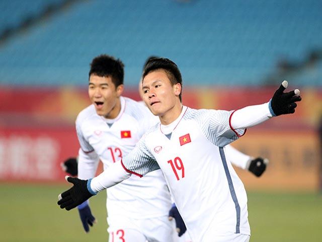 """Việt Nam đấu Malaysia: Quang Hải siêu khỏe """"cày ải"""" ngang Messi, hơn Neymar"""