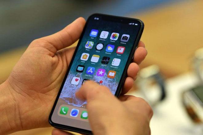 Apple thay mới màn hình miễn phí cho iPhone X gặp trục trặc - 1