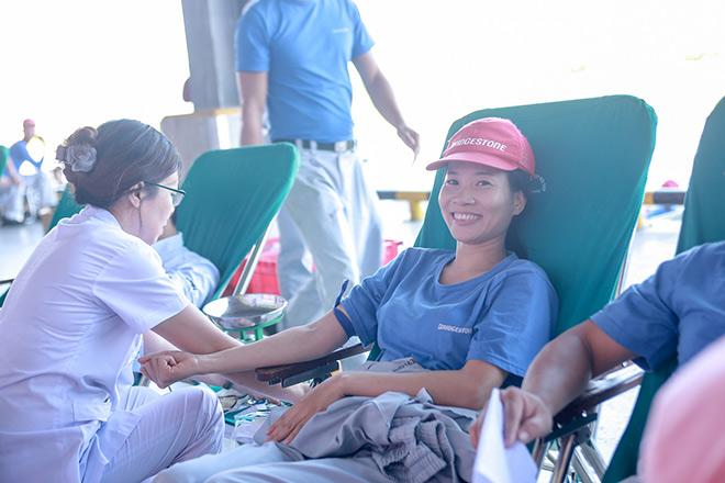 Bridgestone Việt Nam tổ chức Ngày hội hiến máu nhân đạo cho nhân viên nhà máy - 1