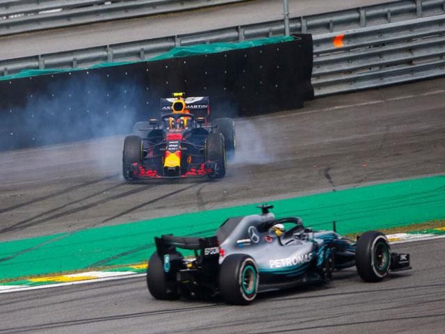 Video đua xe - xếp hạng F1, Brazilian GP: Va chạm định mệnh dâng chiến thắng cho Nhà vua