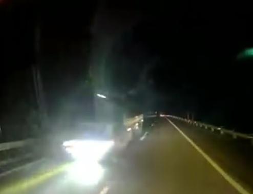Tài xế rùng mình kể lại pha tránh xe tải ngược chiều cao tốc - 1