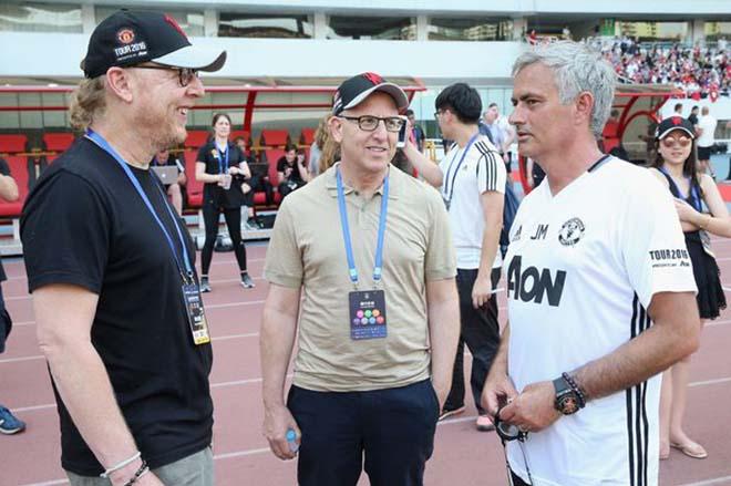 Điệp vụ giải cứu MU: Ông trùm Mỹ lo mất C1, mời Conte về thay Mourinho - 1