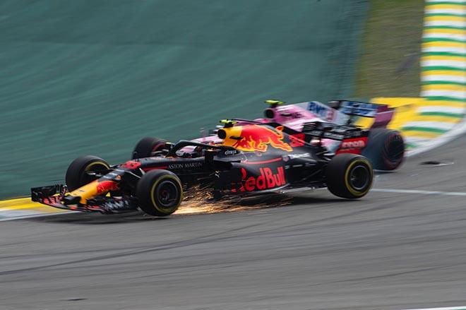 Đua xe F1: Hiếu thắng quá độ, hai tay đua trẻ suýt choảng nhau - 1