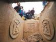 Đào đất xây toilet, phát hiện kho báu trị giá cả chục tỷ đồng