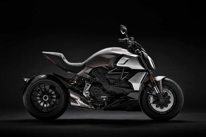Phát mê trước 2019 Ducati Diavel 1260 cơ bắp, siêu tối tân - 1