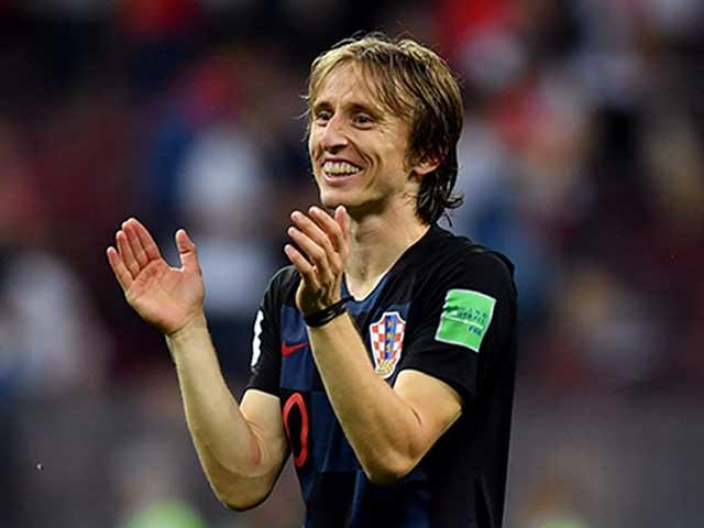 Tin HOT bóng đá tối 16/11: Modric nói về Quả bóng Vàng