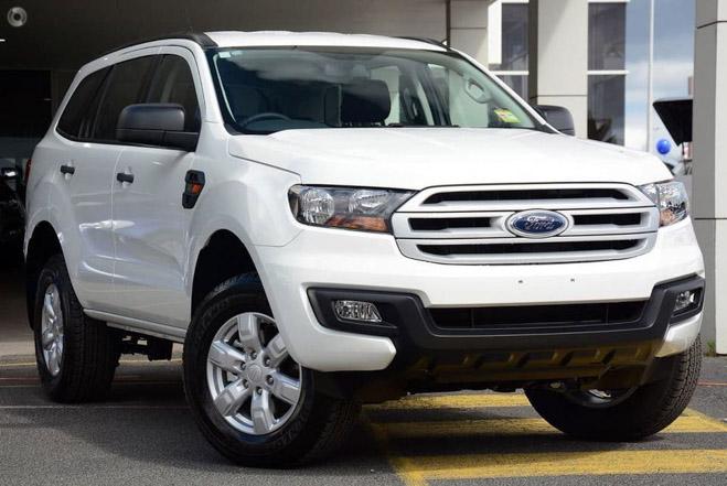Bảng giá xe Ford Everest lăn bánh 2018 cập nhật mới nhất đã có giá bán dự kiến của Ford Everestphiên bản giá rẻ Ambiente - 1