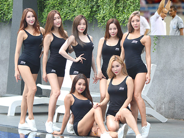 Dàn chân dài Hàn Quốc chúc HLV Park Hang Seo vô địch AFF Cup