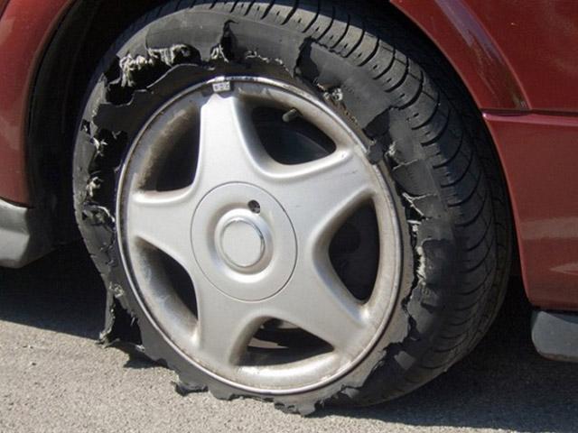 Nguy hiểm rình rập khi mâm xe bị nứt