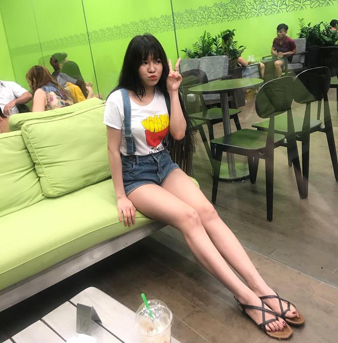 """Bạn gái nóng bỏng của thủ môn Lâm Tây: """"Mặc sexy có thể thử lòng đàn ông"""" - 4"""