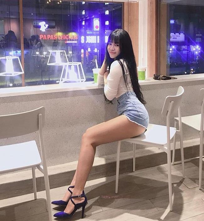 """Bạn gái nóng bỏng của thủ môn Lâm Tây: """"Mặc sexy có thể thử lòng đàn ông"""" - 3"""