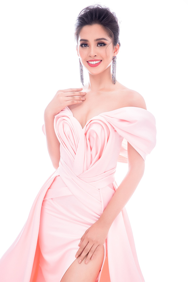 Four shoulder dresses help shine Tran Xiaobo in Miss World - 1