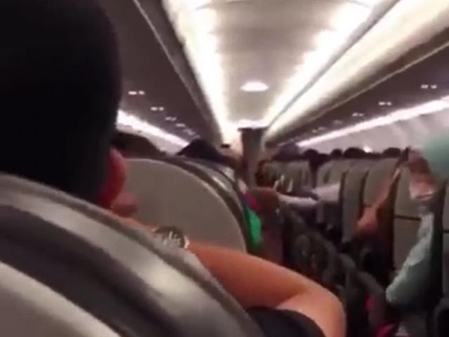 Hundreds of travelers screamed for fear ... a fake warning on the plane