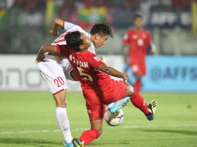 """Văn Đức ra chân """"điện xẹt"""" hạ thủ môn Myanmar, vận đen ngỡ ngàng"""