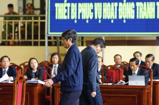 """Phản cung tại tòa, ông Nguyễn Thanh Hóa nói khai trước đây do """"đầu óc không tỉnh táo"""" - 1"""
