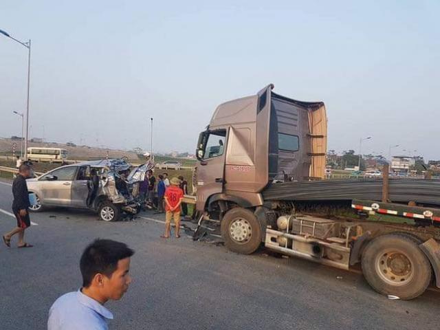Vụ container đâm Innova lùi trên cao tốc: Kháng nghị hủy cả hai bản án