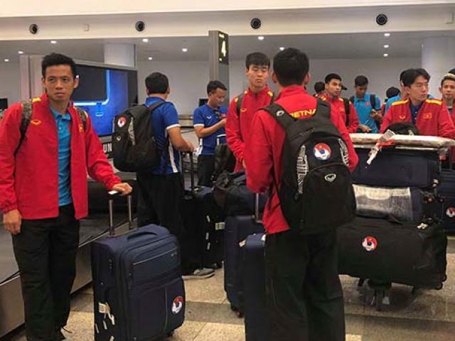 ĐT Việt Nam về nước: Chuẩn bị đấu Campuchia, chờ Thái Lan ở bán kết