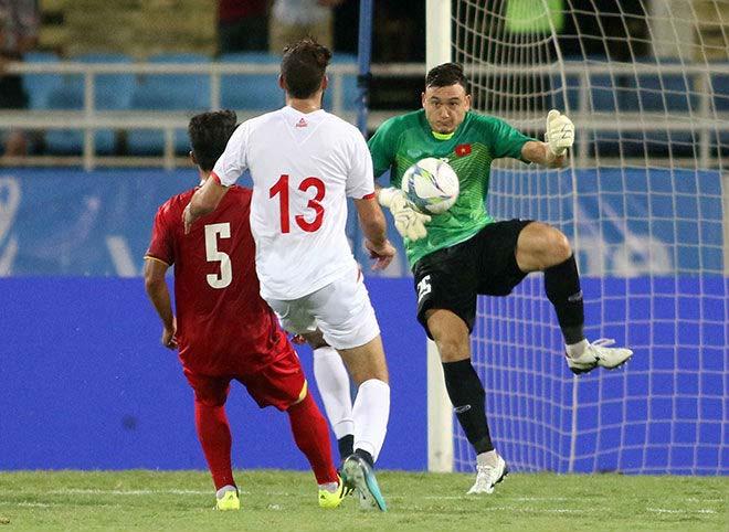 Khốc liệt AFF Cup: Việt Nam hàng thủ số 1, Thái Lan sút 17 ghi 11 bàn - 1