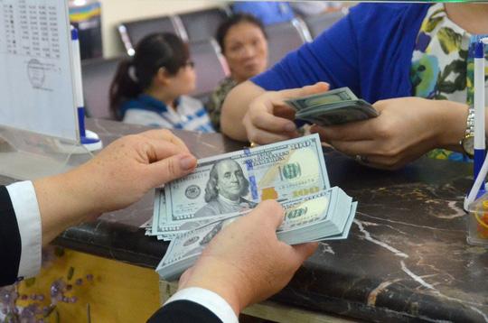 Tỉ giá USD/VNĐ tăng lên mức cao nhất từ đầu năm - 1