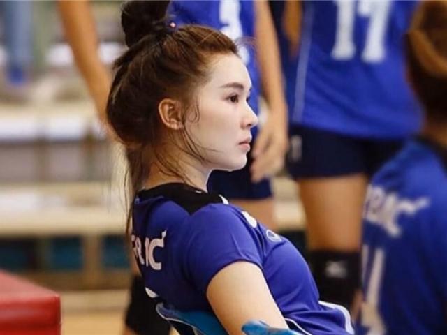 """""""Thiên thần"""" bóng chuyền Thái Lan: 17 tuổi cao 1m8 gây sốt Trung Quốc"""