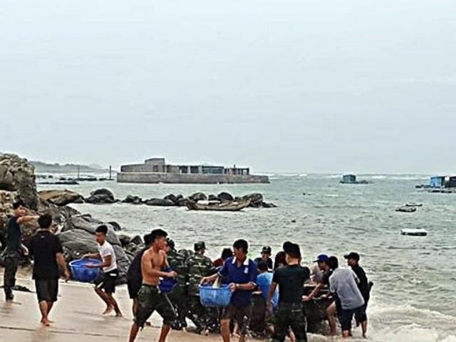 Đảo Phú Qúy xuất hiện sóng bạc đầu trước khi bão số 9 đến
