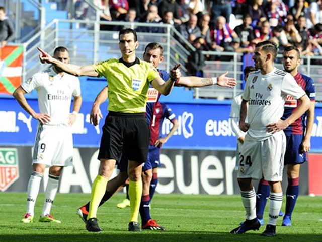 """Real Madrid thua thê thảm: """"Cơn ác mộng"""" từ công nghệ VAR"""