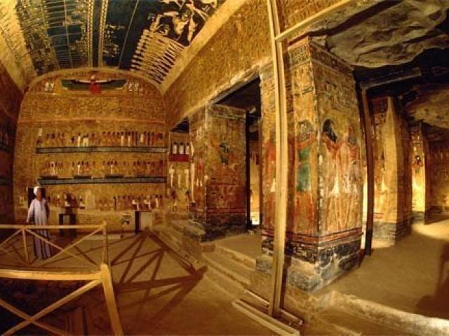 """Bí ẩn cái chết của những người """"đụng"""" vào lăng mộ các Pharaong"""