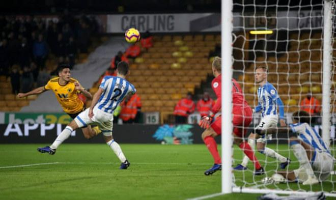 """Wolves -  Huddersfield: Cú đúp """"người hùng"""" định đoạt - 1"""