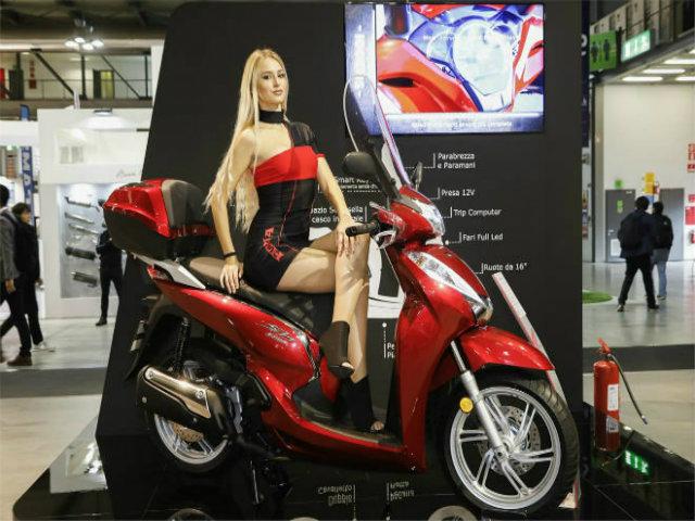 """Đánh giá """"vua tay ga"""" 2019 Honda SH300i: Có gì mà hút hồn dân Việt đến thế?"""