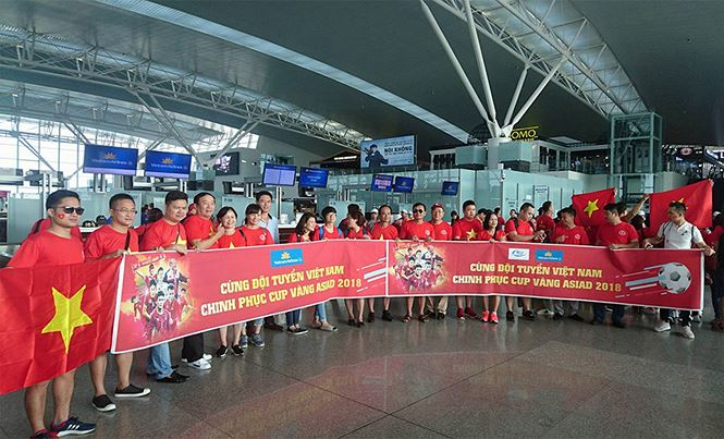 Provide a private plane to bring fans to the Philippines to promote Vietnam team - 1