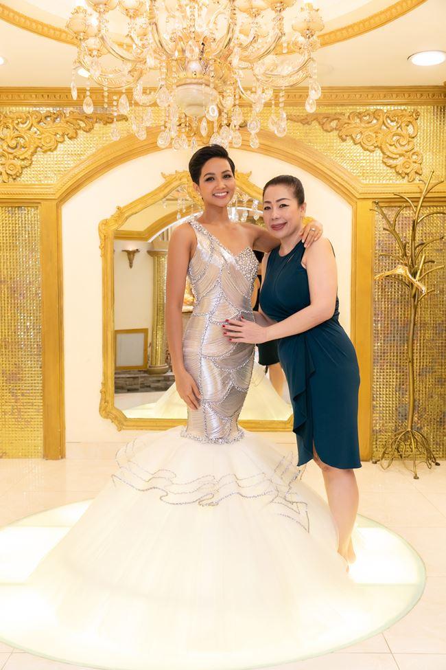 Hé lộ trang phục dạ hội của H'Hen Niê tại Hoa hậu Hoàn vũ 2018 - 1