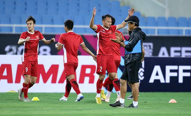 ĐT Việt Nam tập đấu Philippines: Văn Toàn trở lại, toàn đội hưng phấn - 1