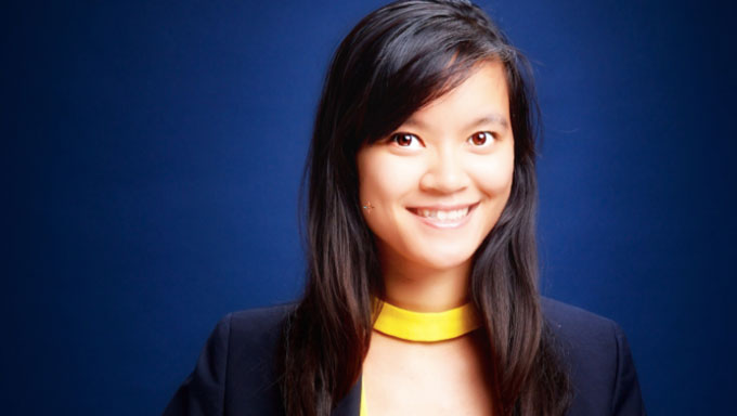 A Vietnamese woman responsible for billions of dollar transactions causes a social network fever - 1
