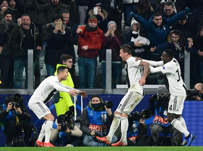 Juventus - Valencia: Ronaldo rực sáng đoạt vé knock-out sớm - 1