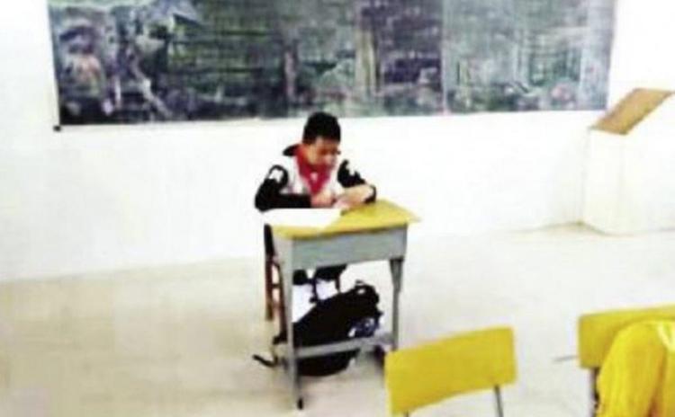 Phẫn nộ khi giáo viên cô lập học sinh vì sợ lây bệnh ung thư - 1