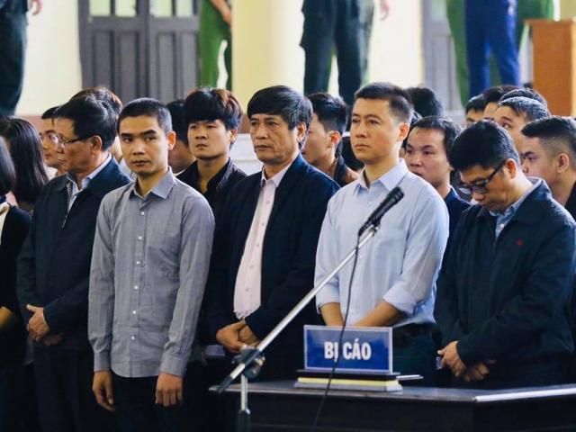 """Hôm nay tòa ra phán quyết về vụ ông Phan Văn Vĩnh và """"trùm"""" bài bạc"""