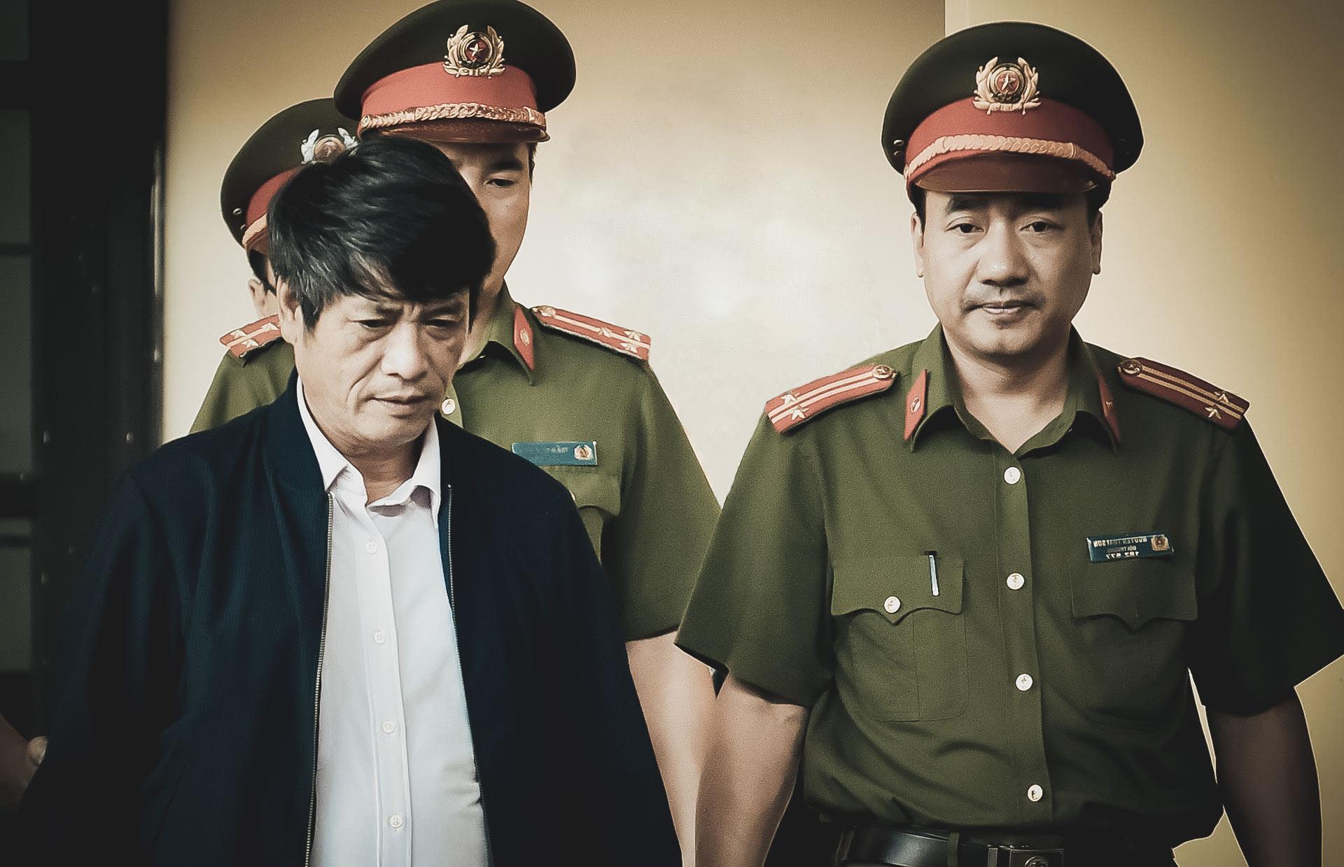 """Toàn cảnh phiên tòa xét xử 2 cựu tướng công an và """"trùm"""" đường dây đánh bạc nghìn tỷ - 6"""