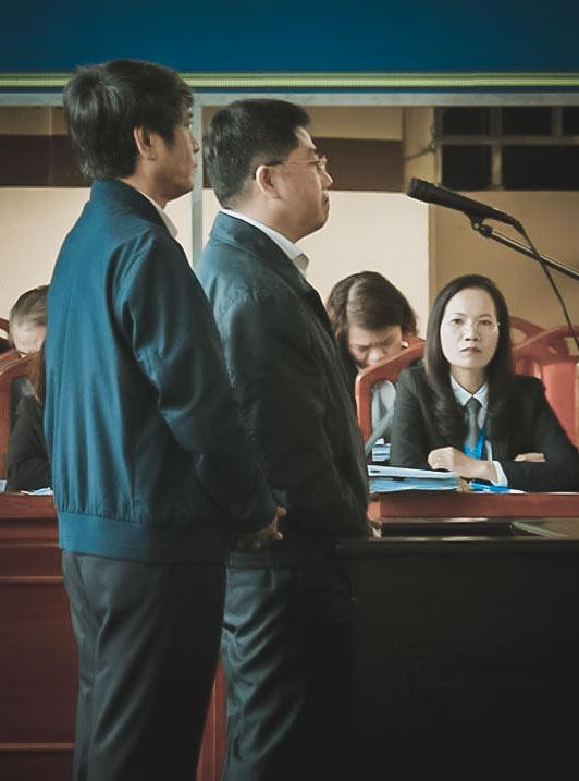 """Toàn cảnh phiên tòa xét xử 2 cựu tướng công an và """"trùm"""" đường dây đánh bạc nghìn tỷ - 13"""