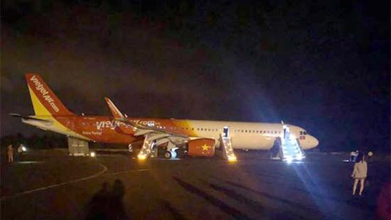 Bộ GTVT yêu cầu khẩn trương điều tra sự cố máy bay Vietjet - 1