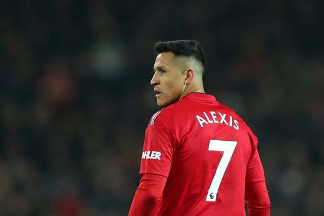 Mourinho khốn khổ cùng MU: Cú sốc Sanchez và tương lai De Gea - 1