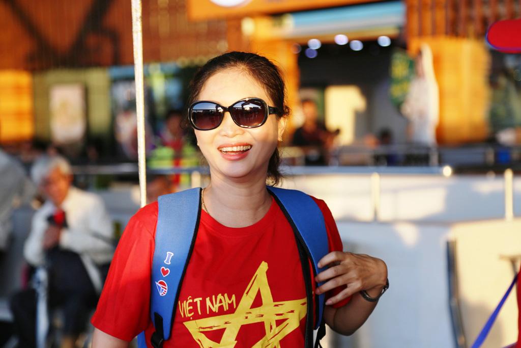 1543716759-179-dan-hot-girl-mang-bang-ron-sut-di-phuong-oi-dap-chuyen-co-sang-philippines-tiep-lua-dt-viet-nam-anh-9-1543716389-width1024height683.jpg