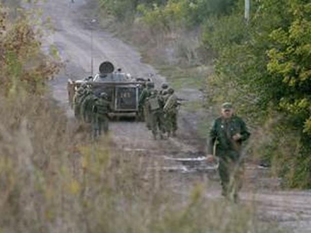 Video: Quân đội Ukraine rầm rộ tập trận ngay sát biển Azov giữa lúc căng thẳng với Nga