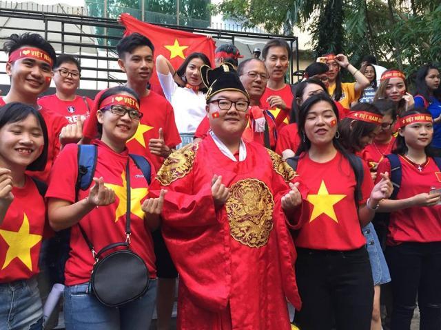 Fan Hàn Quốc mê HLV Park Hang Seo, đến Bacolod cổ vũ Việt Nam