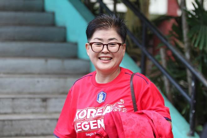 Fan Hàn Quốc mê HLV Park Hang Seo, đến Bacolod cổ vũ Việt Nam - 1