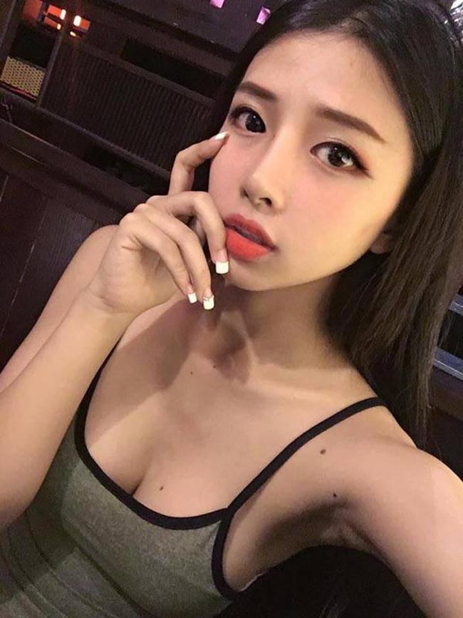 """Sau khi yêu Khánh Vy, có thời gian Phan Mạnh Quỳnh """"ở ẩn"""" khiến fan tò mò."""