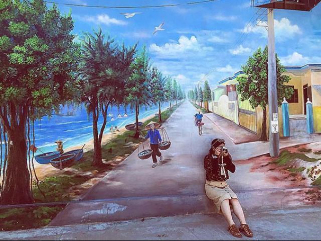 """""""Check- in"""" ngôi làng bích họa đẹp mộng mơ ở Quảng Bình"""