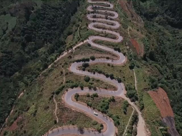 Tuyến đường ngoằn ngoèo nhất Trung Quốc: Dài chỉ 6km nhưng có tới 68 khúc cua